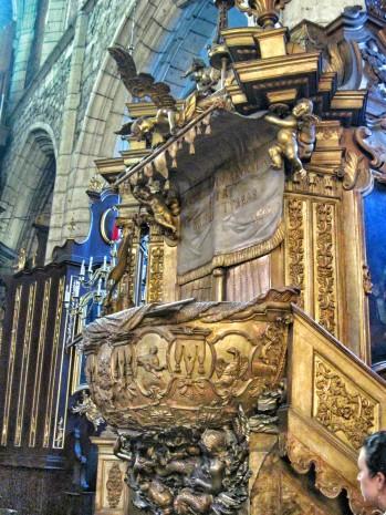 Baroque ornamentation in the christian church in the Jewish Quarter