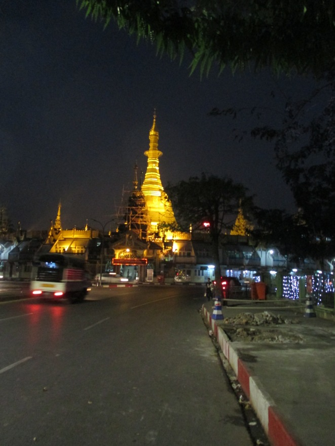 Sule Paya at night