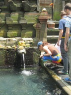 Purifying in the spring water temple