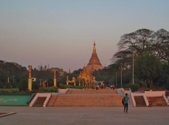 Shwedagon Paya at sunset