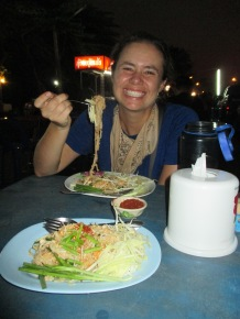 Pad Thai and night market 1