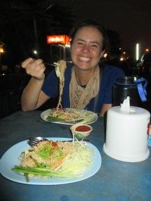 Pad Thai and night market 1