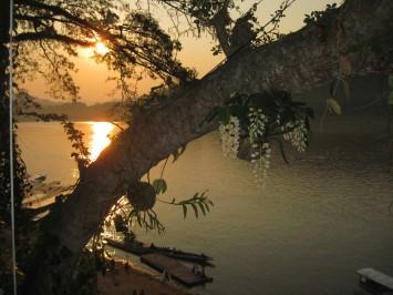 dinner sunset on the Mekong