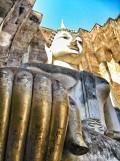 Sukhothai, Thailand: Looking up at Buddha