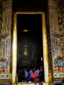 You weren't allowed to take pics inside... this is a cheat pic of the Emerald Buddha