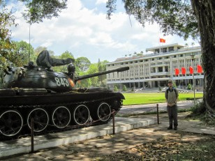 Reunification Palace and tank