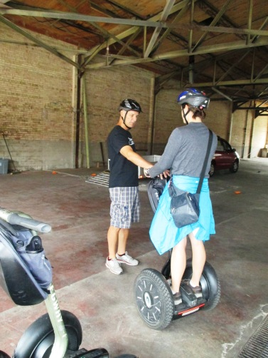 Learning how to correctly mount and dismount the segway